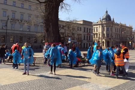 Zbiórka ekipy niebieskich - Śmingusów