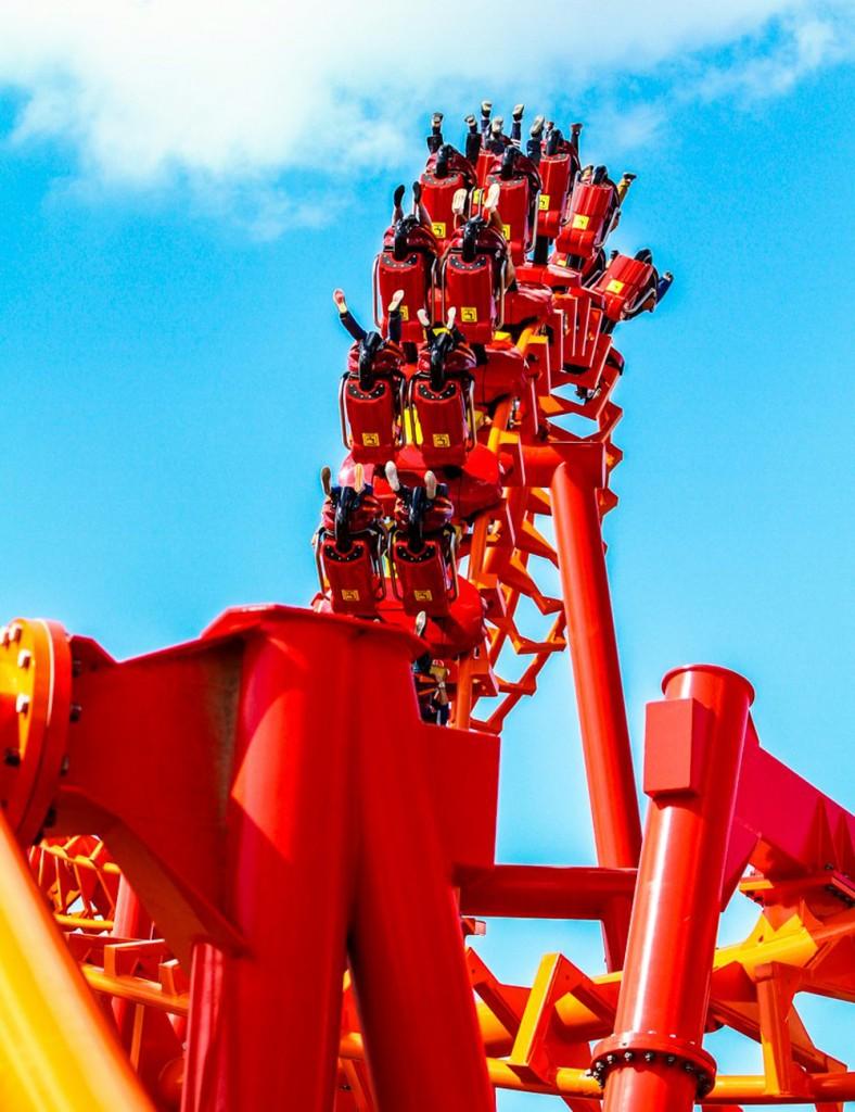 Przejazd rollercoasterem Mayan