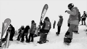 zawodnicy czekający na start banked slalom